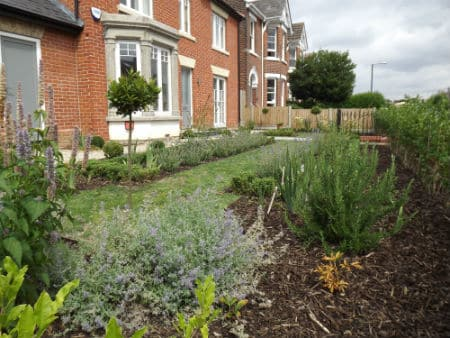 formal-front-garden
