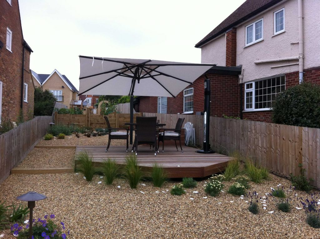 dry garden with decking