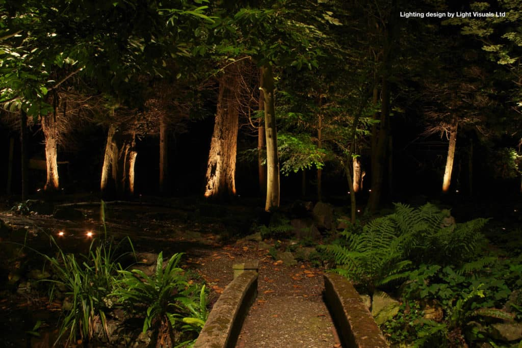garden lighting for dark corners