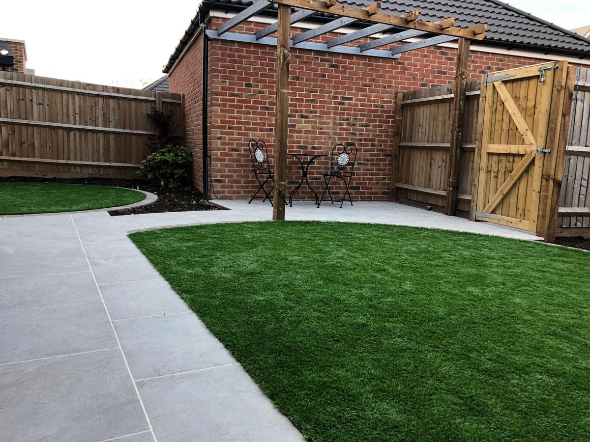 semi circular artificial lawn