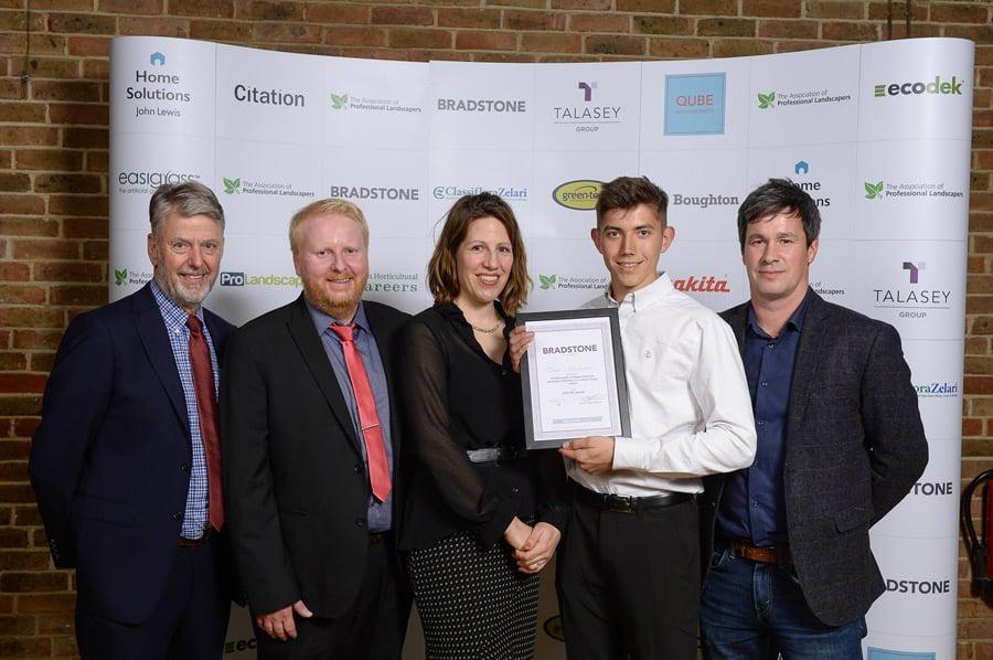 team buiding award winning garden designs
